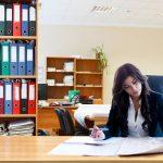 いるいる!職場の【意地悪な女 or 嫌味な女】の心理と特徴、その対処とは?